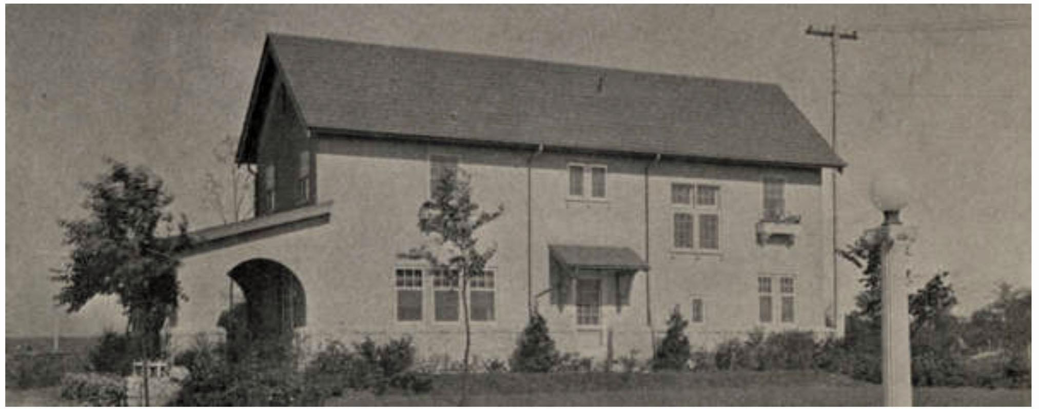 1761 Roxbury Road circa 1917. Vernacular style. (Courtesy of UA Archives.)