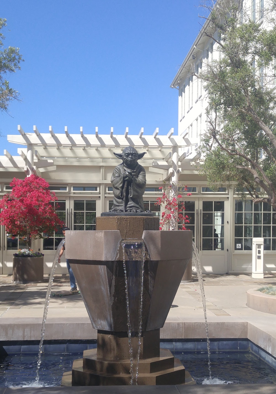 Yoda fountain, san Francisco.jpg