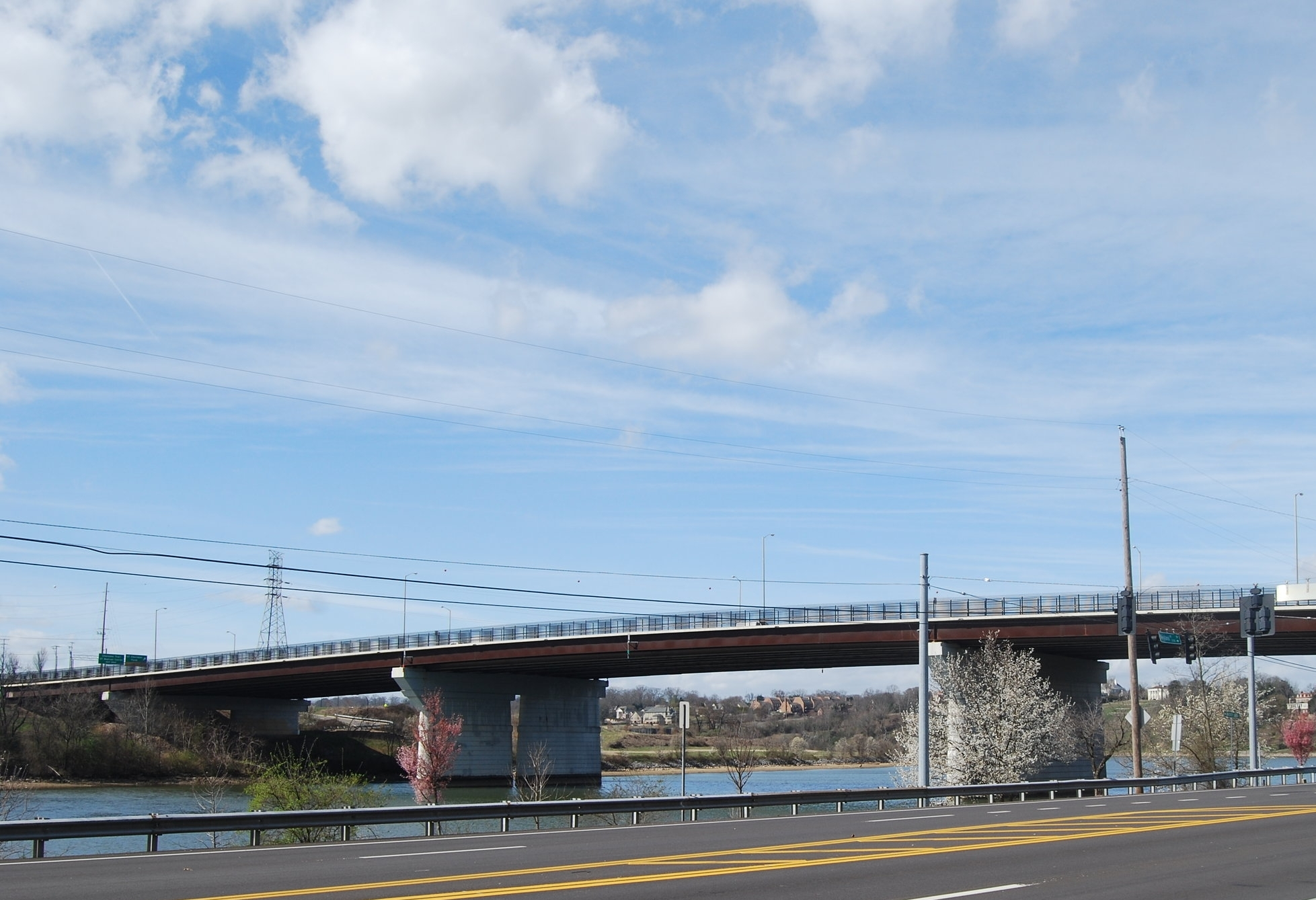 Alcoa Highway bridge over the Tennessee River