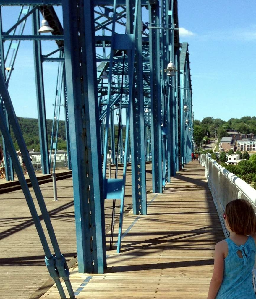 Walnut Street Bridge, one of the world's longest pedestrian bridges