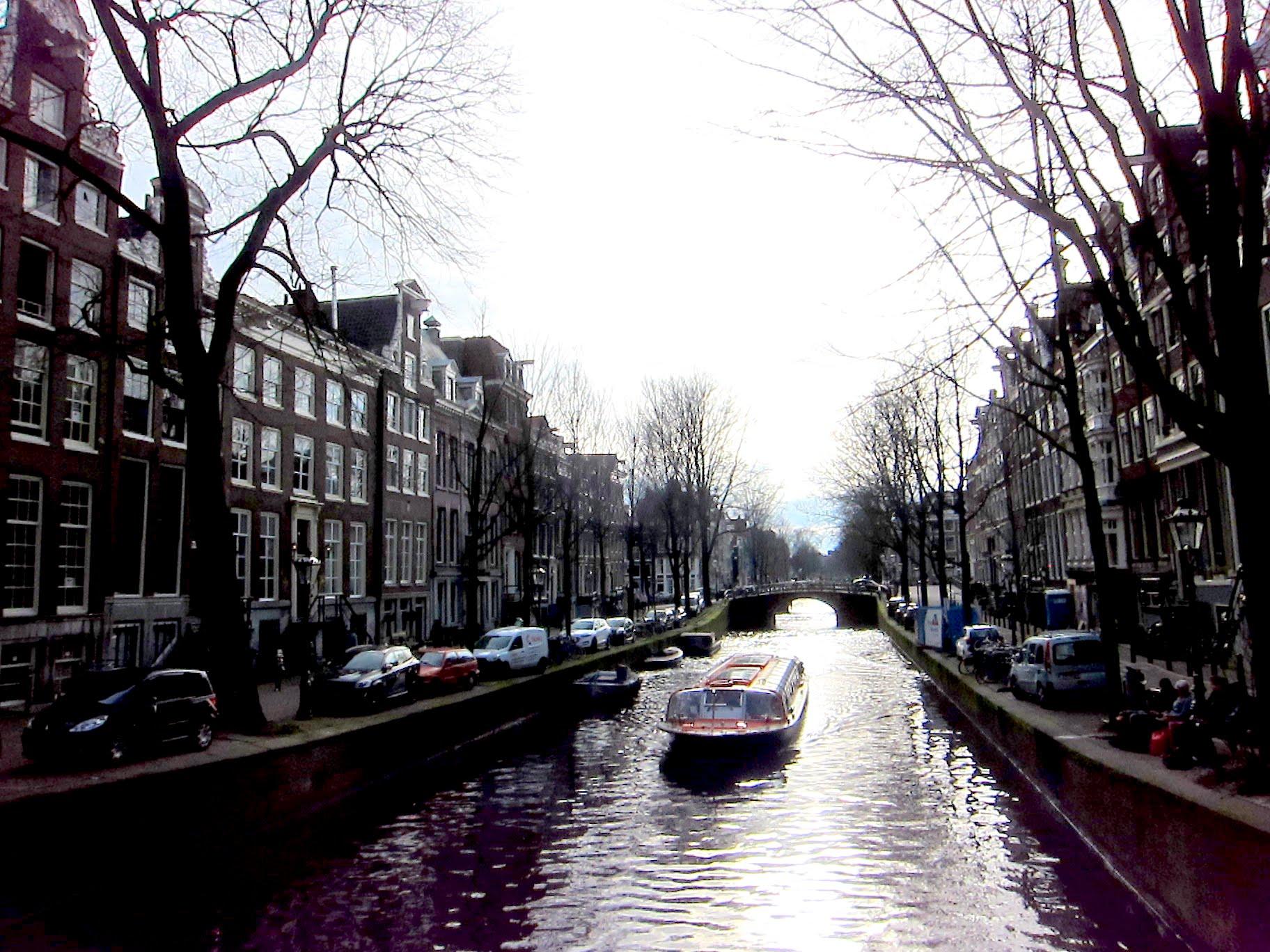 canal-boat-cruising.jpg