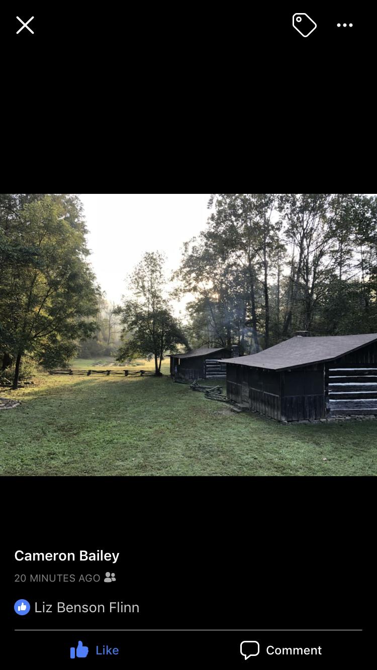 Cabins at Charit Creek Lodge