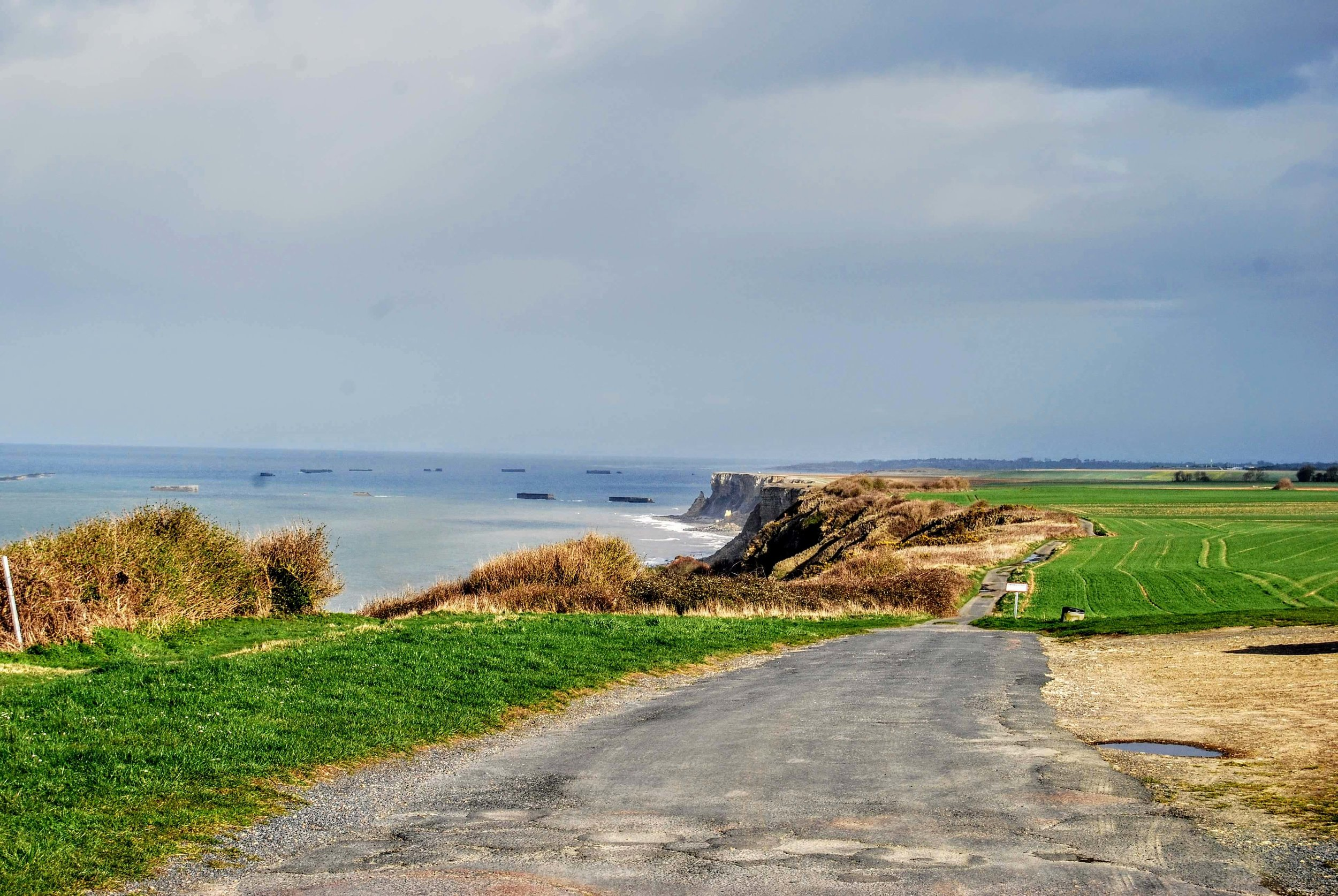 Coastal path from Longues sur Mer to Arromanches
