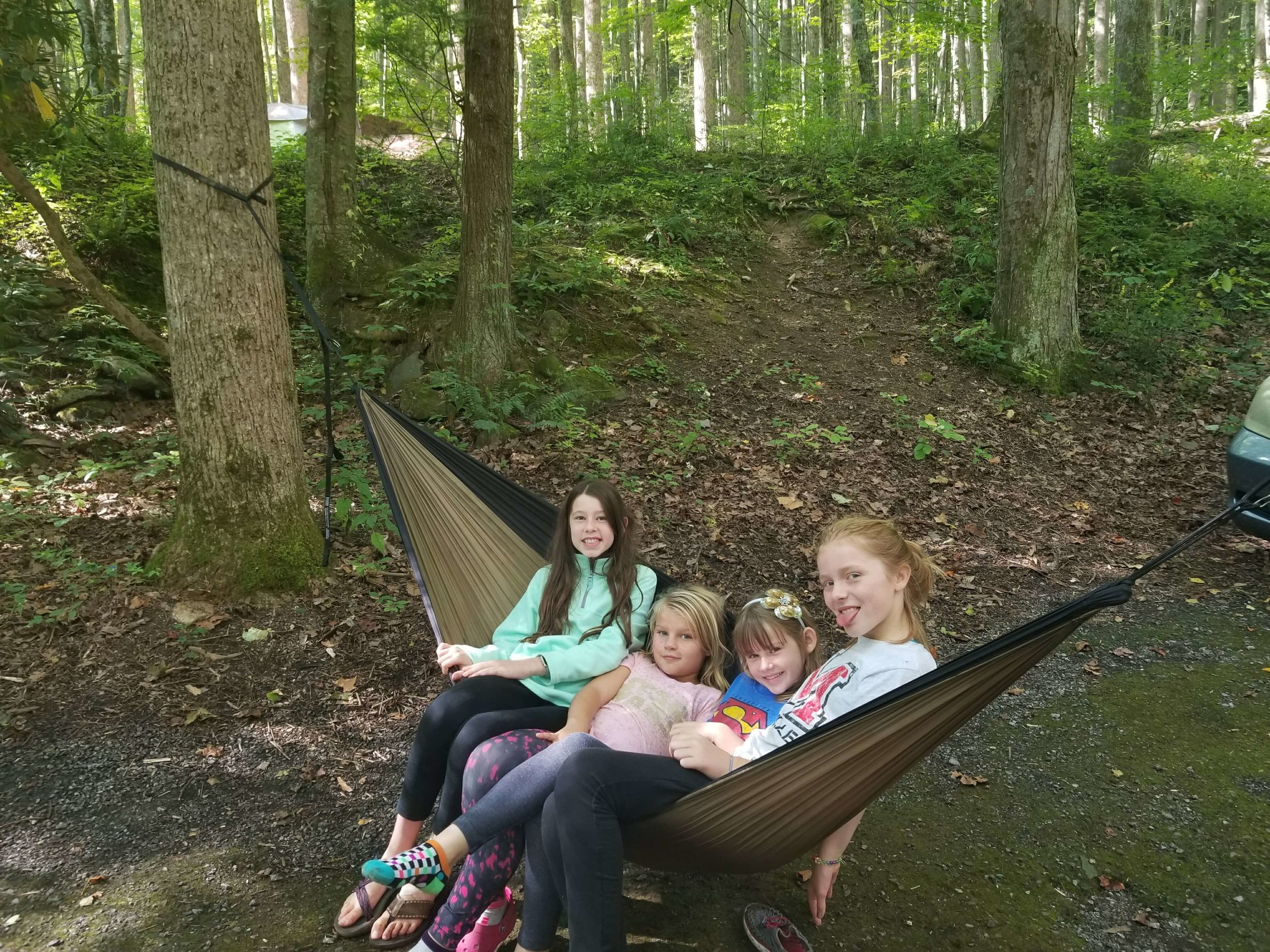 How many kids can you put in one hammock?