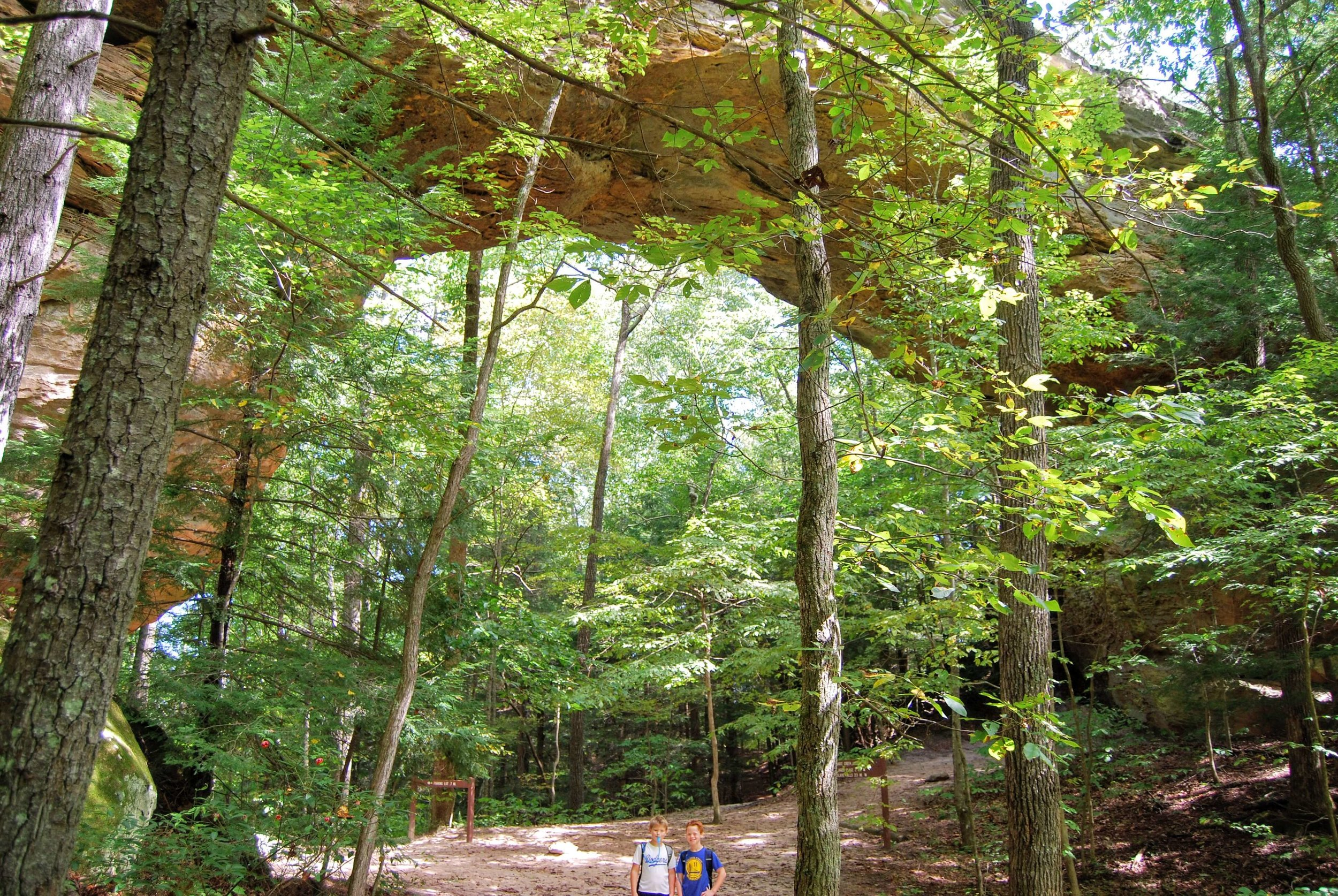 Huge natural arch in Big South Fork