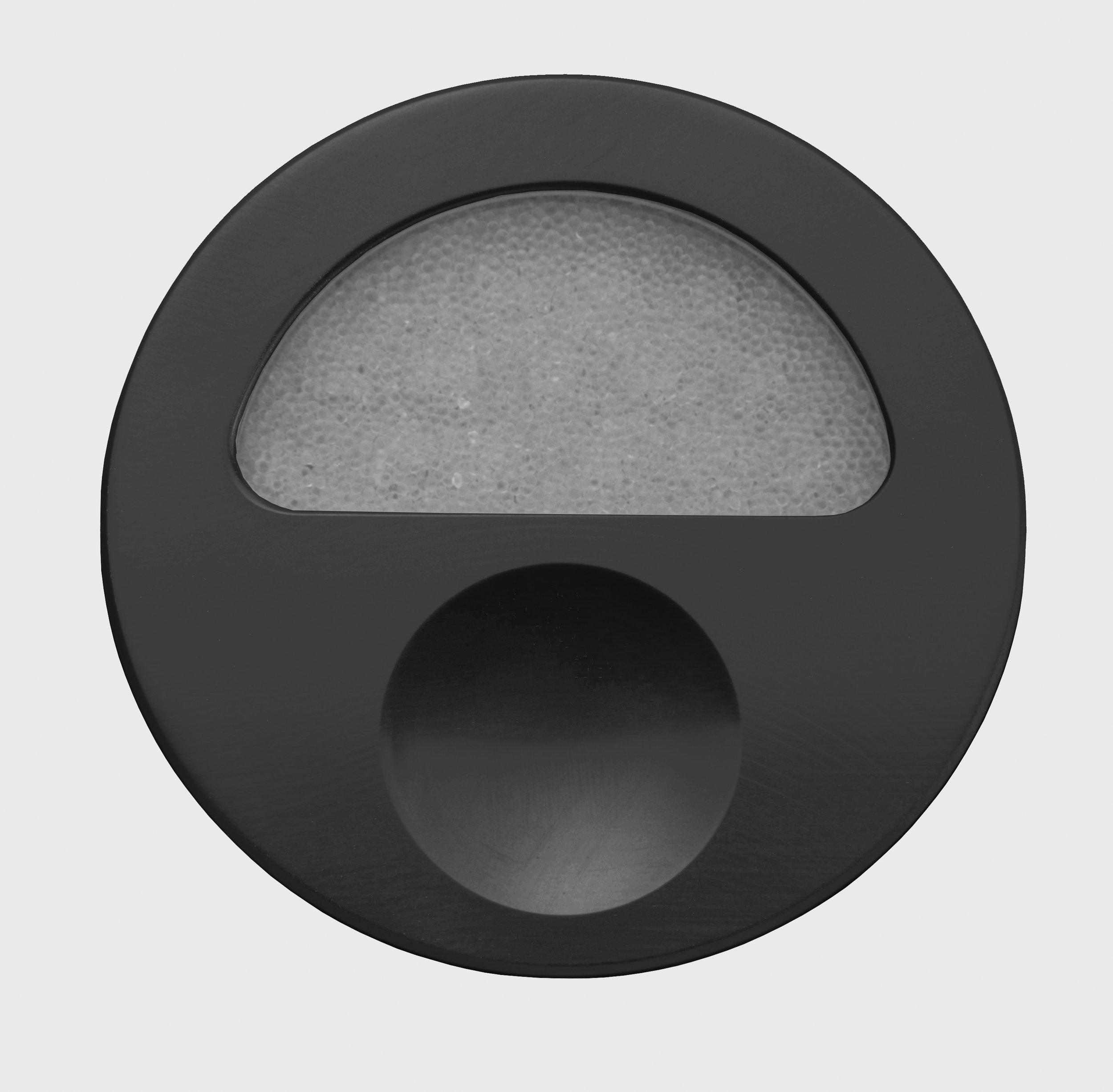 Zephyr-Black-Front-Closed-Off-GB.jpg