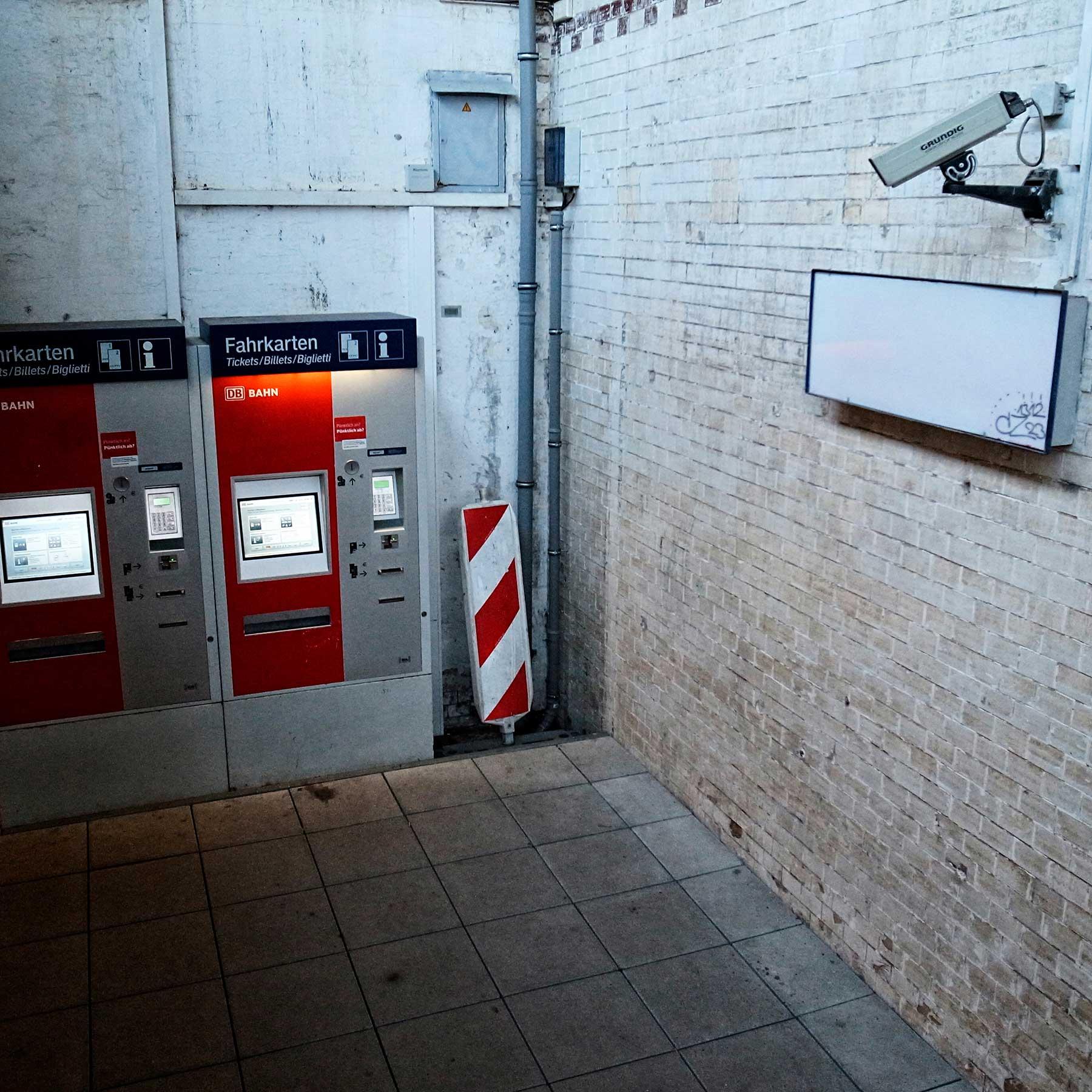 Surveillance and ticket machines at the Hoyerswerda train Station.