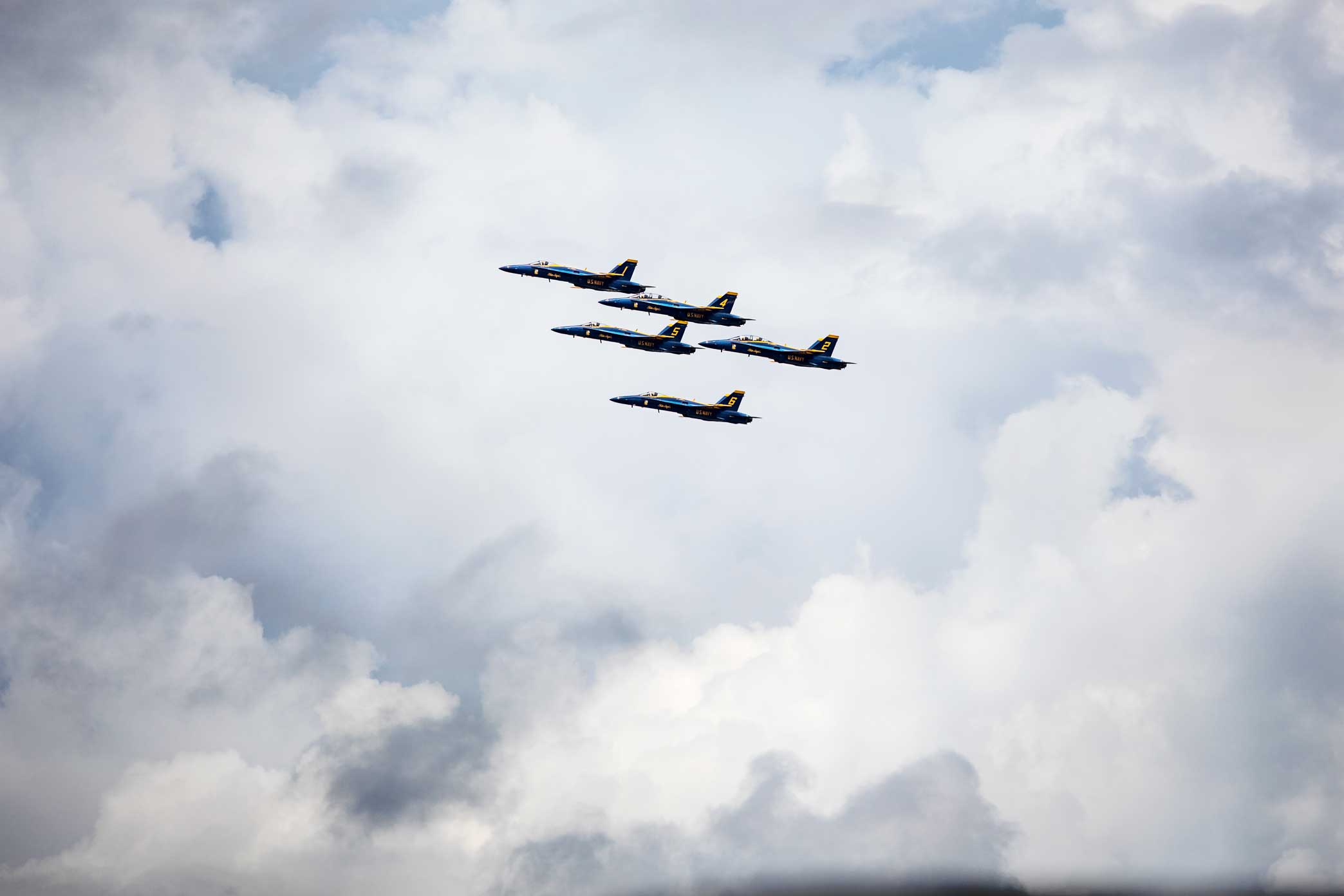 The U.S. Navy Blue Angels fly in formation during practice above the National Naval Aviation Museum in Pensacola, Florida.Canon 5D Mark IV