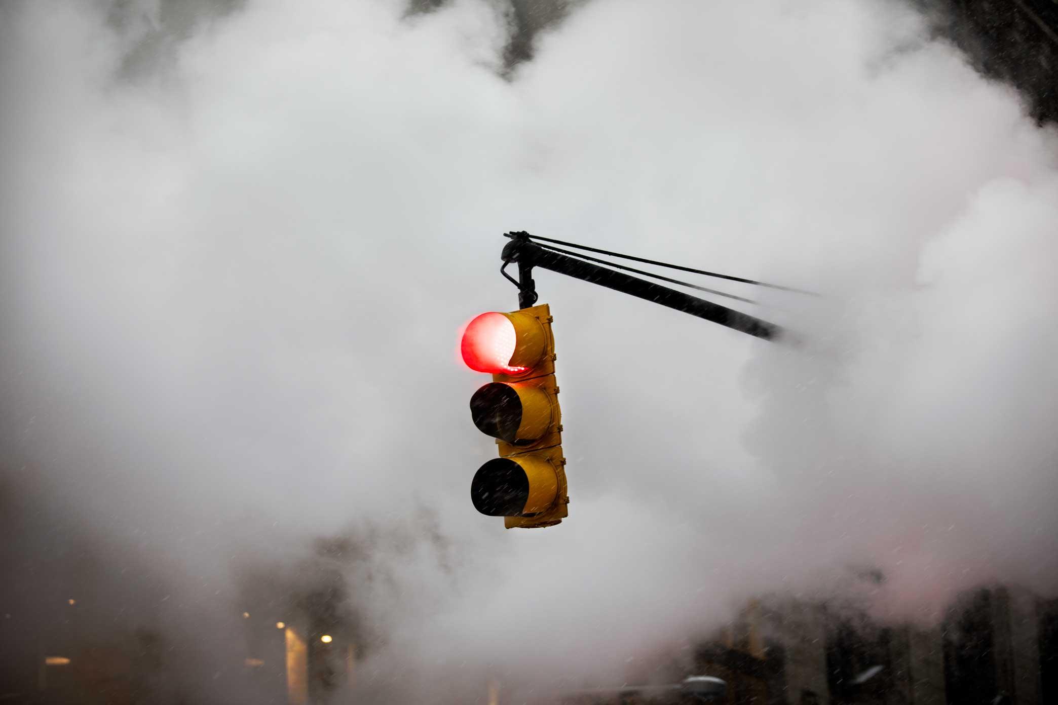 Stoplight and steam. Manhattan, New York. 2017