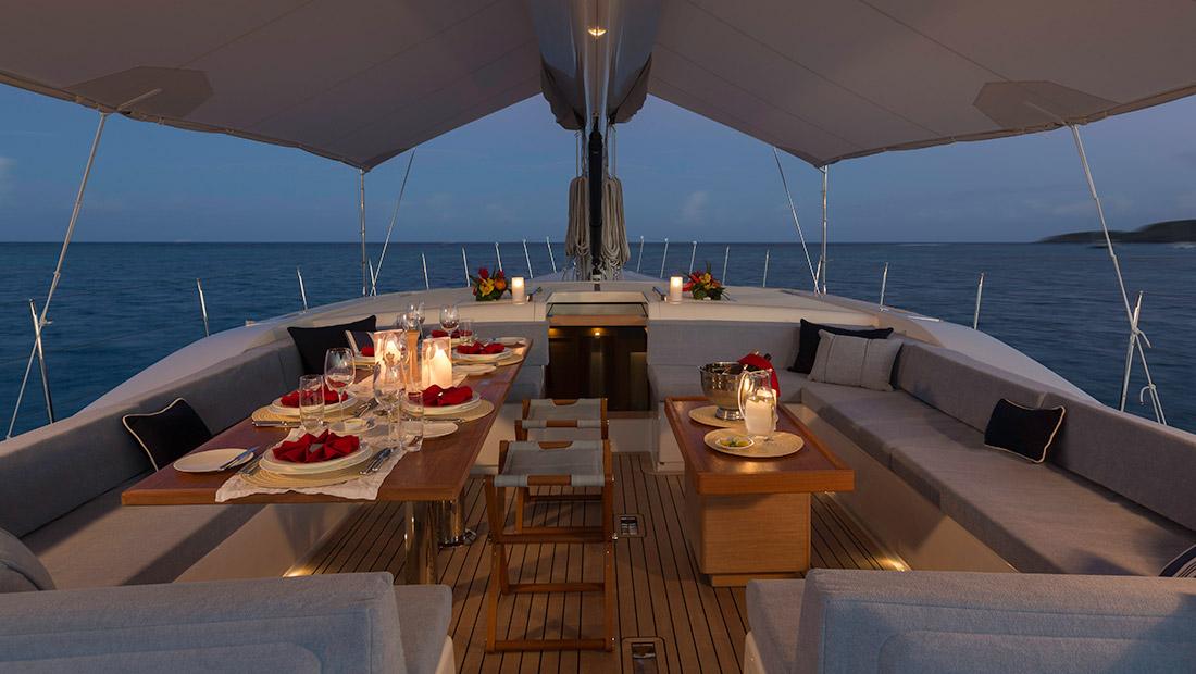 Yacht Farfalla cockpit dining