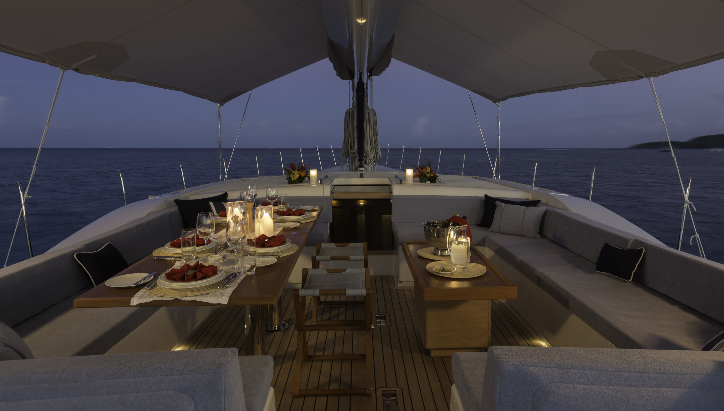 On deck dining