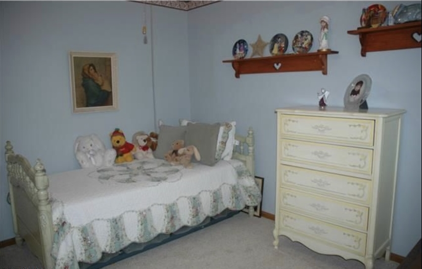 This is what C's room looked like when we looked at the house. Not our style.