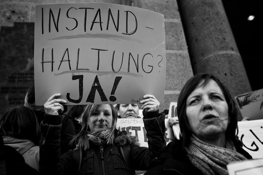 Mieterprotest des Gonter Kiezes vor dem Rathaus Schöneberg in B