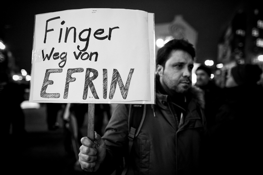Kurden protestieren in Berlin vor UN-Vertretung gegen Einmarsch