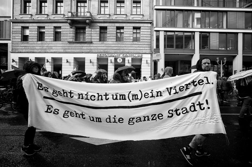 Tausende bei Demonstration für bezahlbaren Wohnraum in Berlin