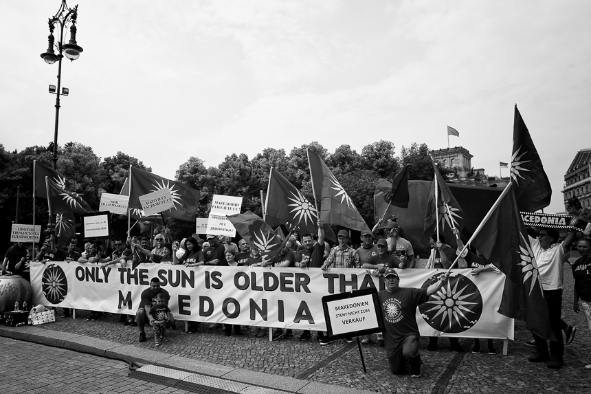 Mazedonier protestieren in Berlin