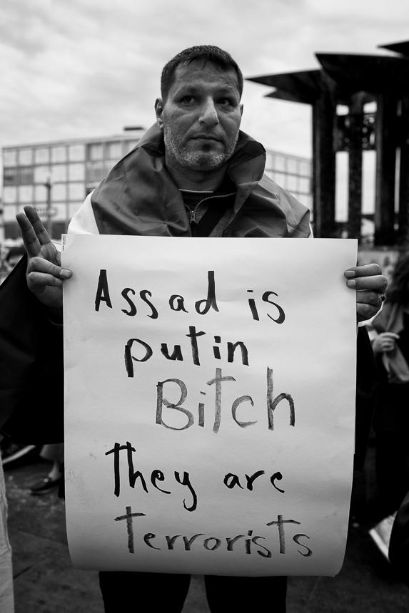 Protest in Berlin gegen beginnende Angriffe auf Idlib in Syrien
