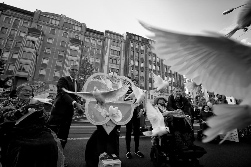 Protest in Berlin für Selbstbestimmung von Pflegebedürftigen