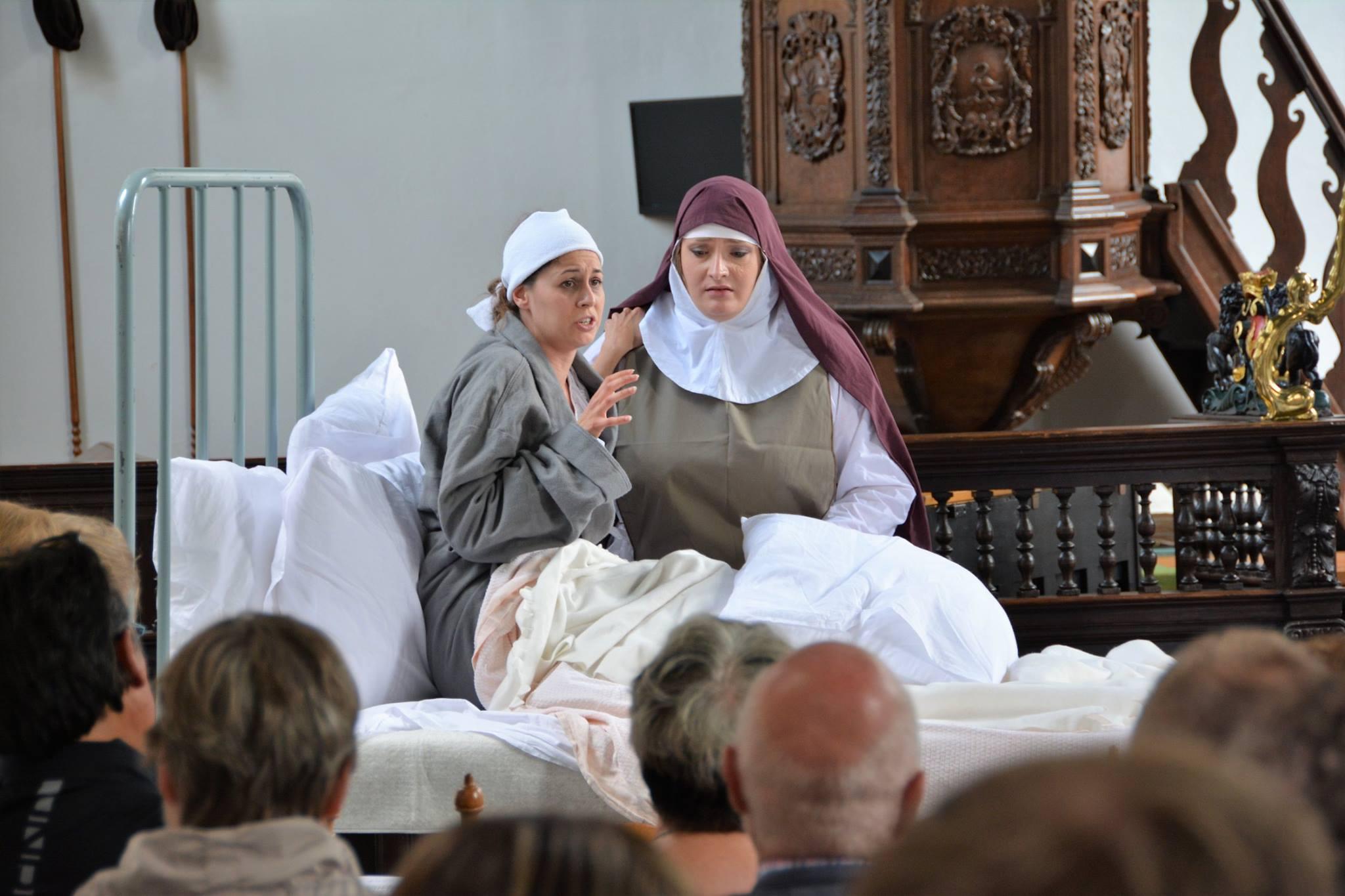 Carmelites 5.jpg