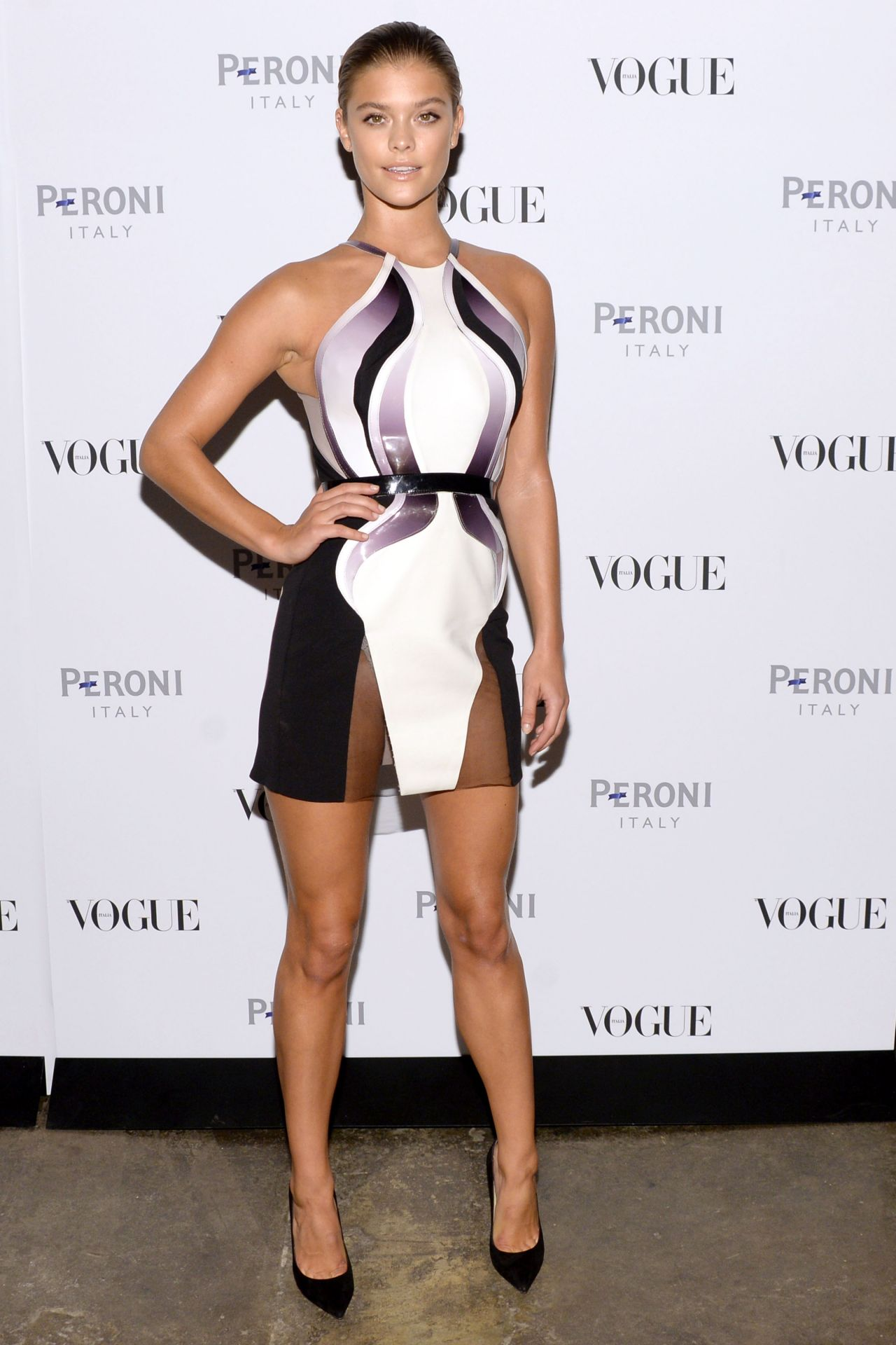 nina-agdal-in-alon-livné-2015-dress-the-vogue-italia-opening-night-exhibition-in-new-york-city_9.jpg