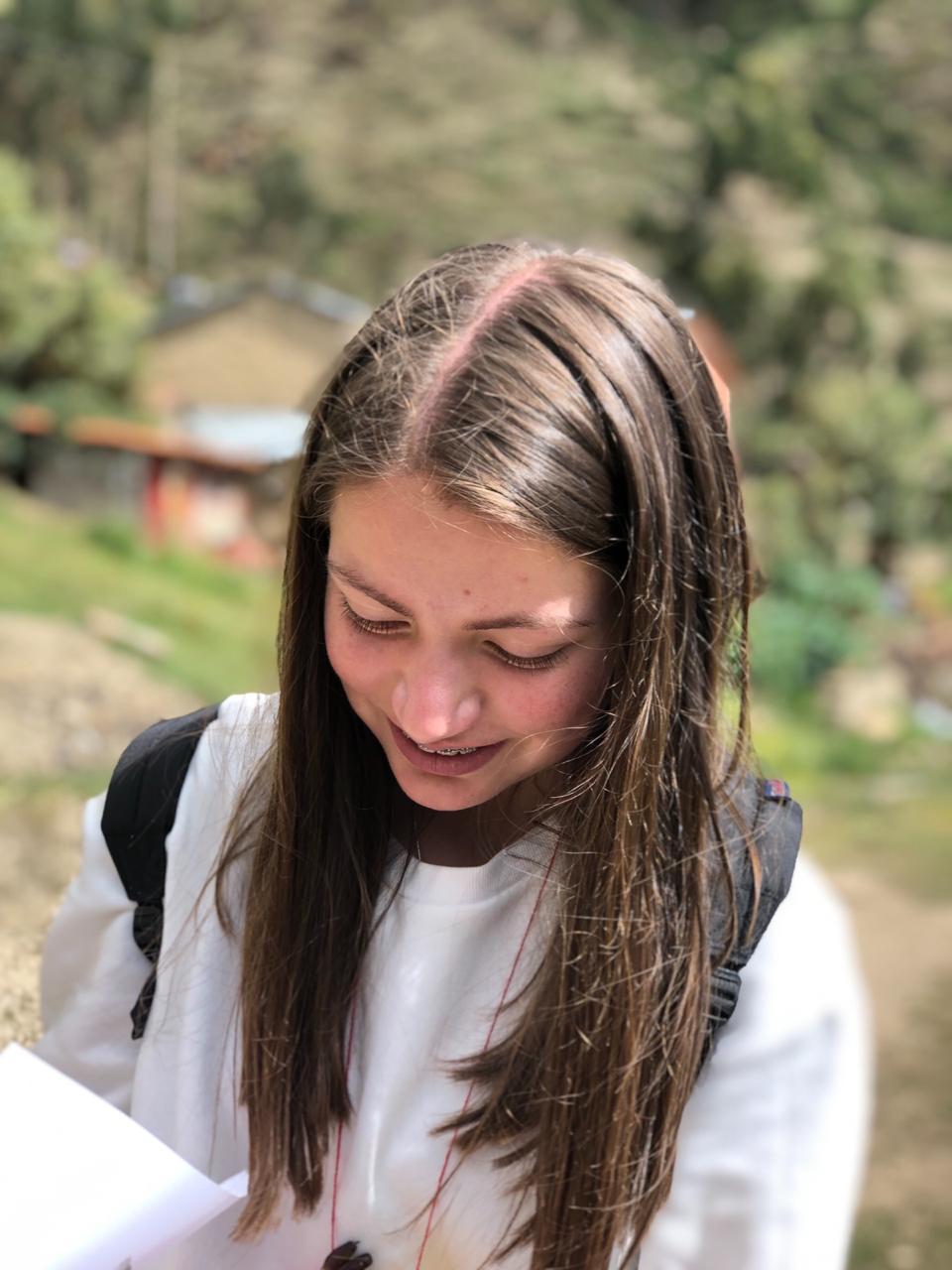Nuestra diseñadora. Desde el logo en 2017 hasta nuestra carta más reciente, Laura tiene 18 años y esta estudiando diseño.