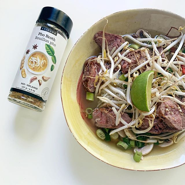 I'm the most uncomfortable cook. I'm not a foodie and I lack that intuitive thats-cooked-enough instinct. Enter Epicure. Now I'm making things like #pho at home. We're eating healthier and I feel fancy and domestically accomplished 😜 . . . #epicure #uncomfortablecook #phoathome #lowsodium #cookathome #learntocook #epicureconsultant #epicureusa #domesticallyaccomplished #glutenfreepho