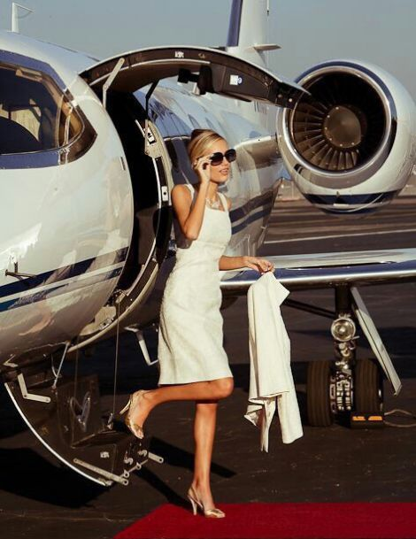 03a027a487dc21870c0326691bb612c9--luxury-private-jets-private-plane.jpg