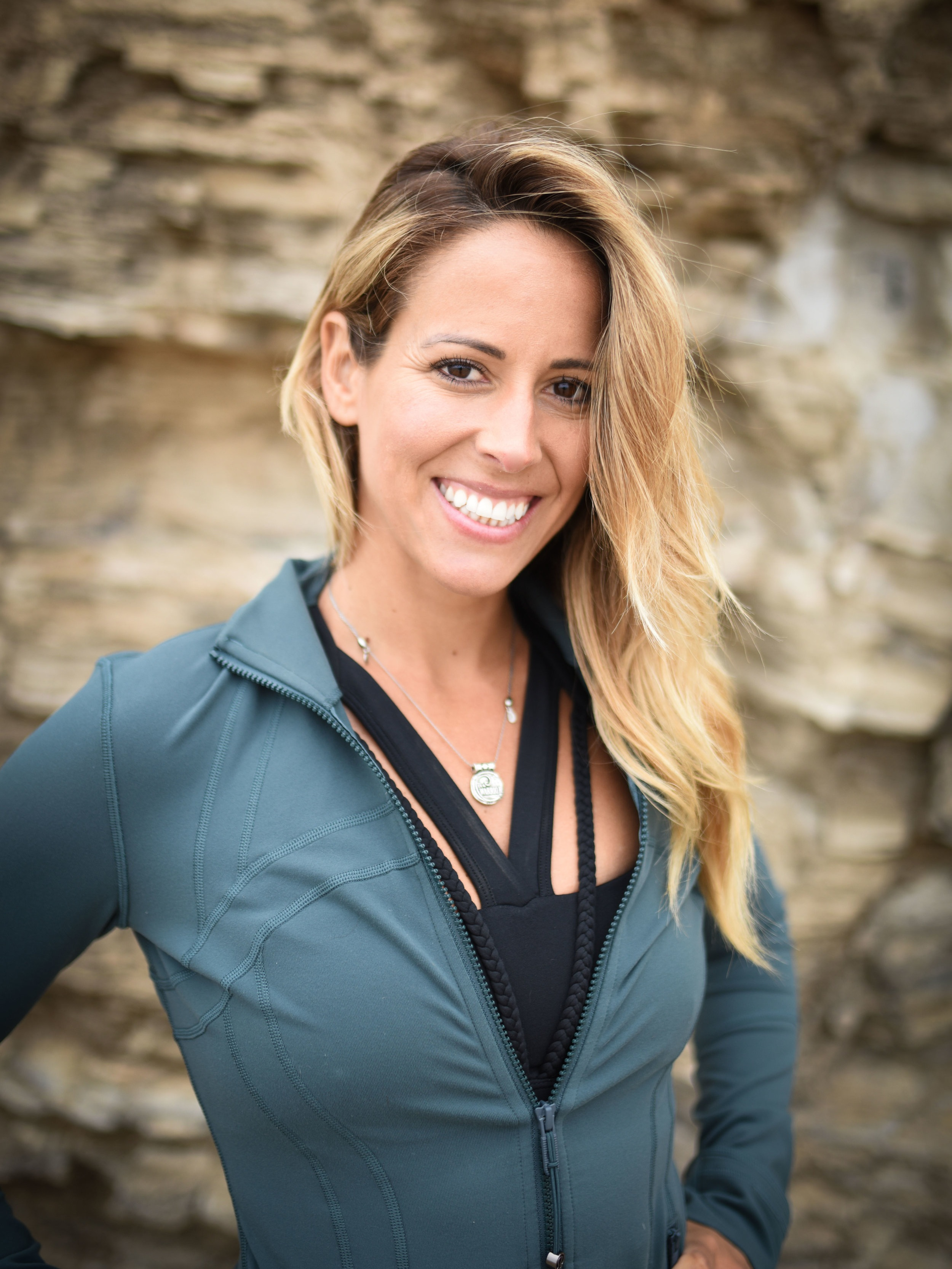 LINDSAY DE AGUILA | CREATOR OF TRANSFORMATIONAL EXPERIENCES & SELF-EMPOWERMENT MENTOR