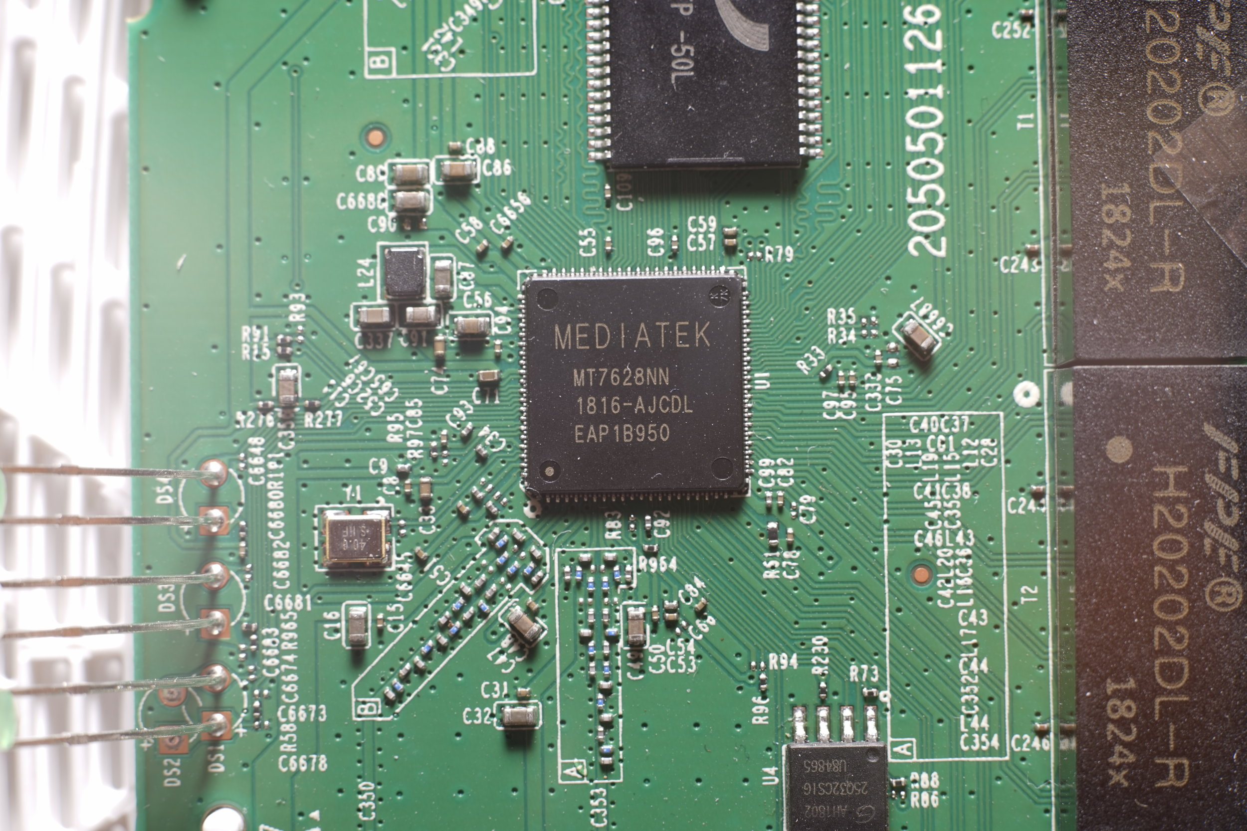 Figure 4 - Close up view of the MEDIATEK MT7628NN SoC
