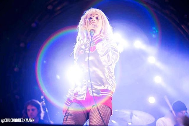 Circles and Rainbows. @paramore @yelyahwilliams #hayleywilliams #tourfuel 📷 by @chuckbrueckmann