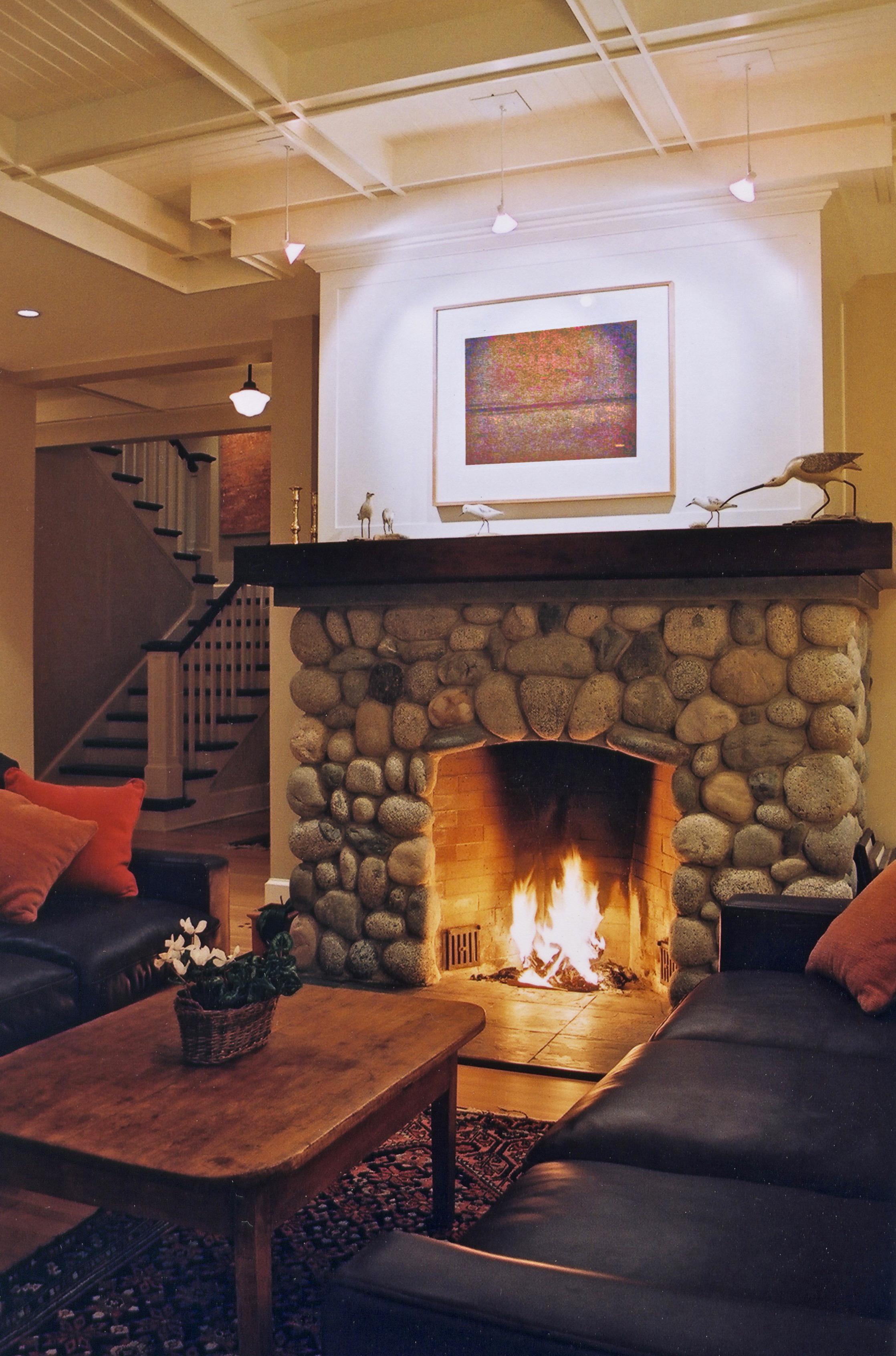 6. Fireplace.jpg