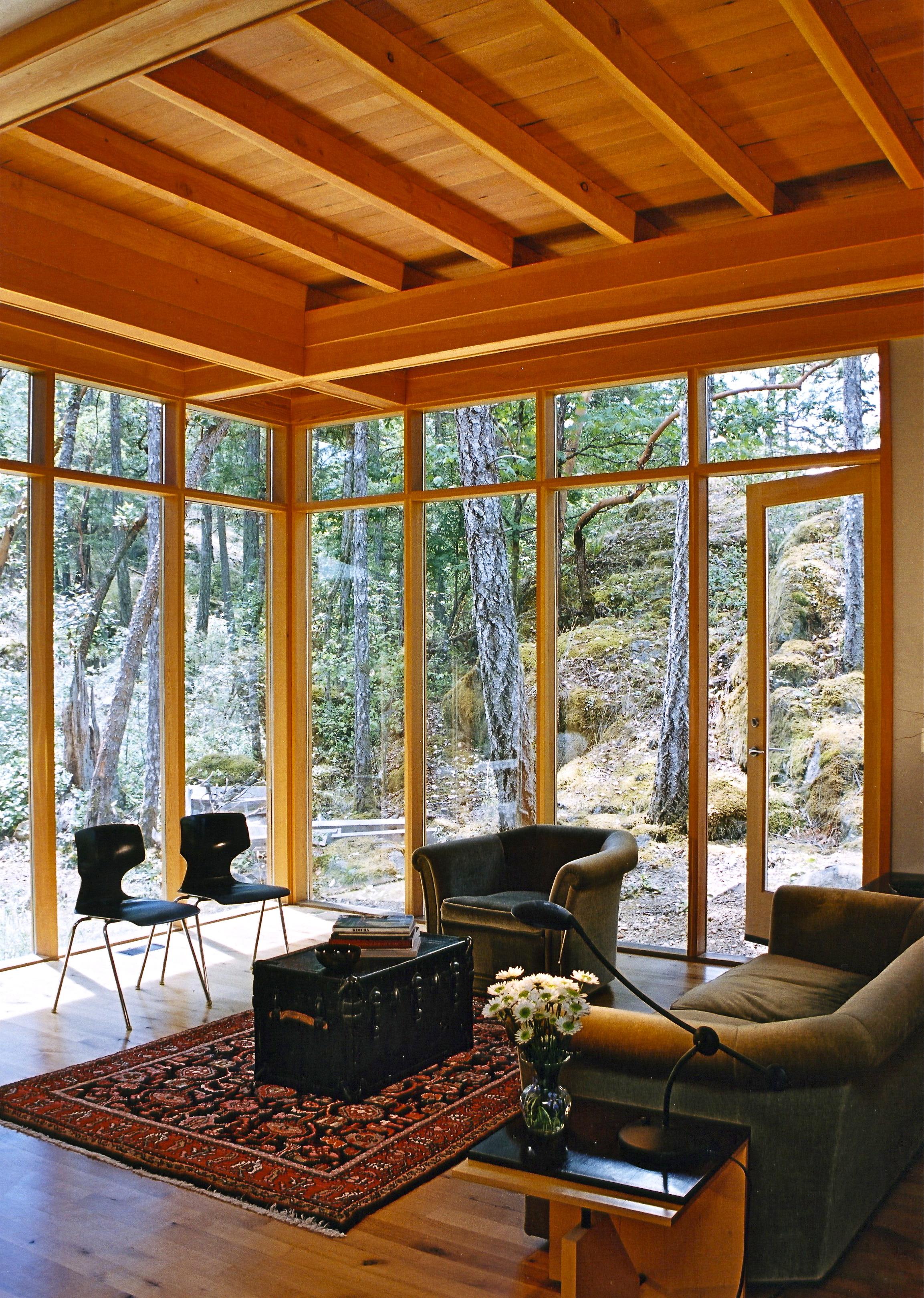 4. Living Room.jpg