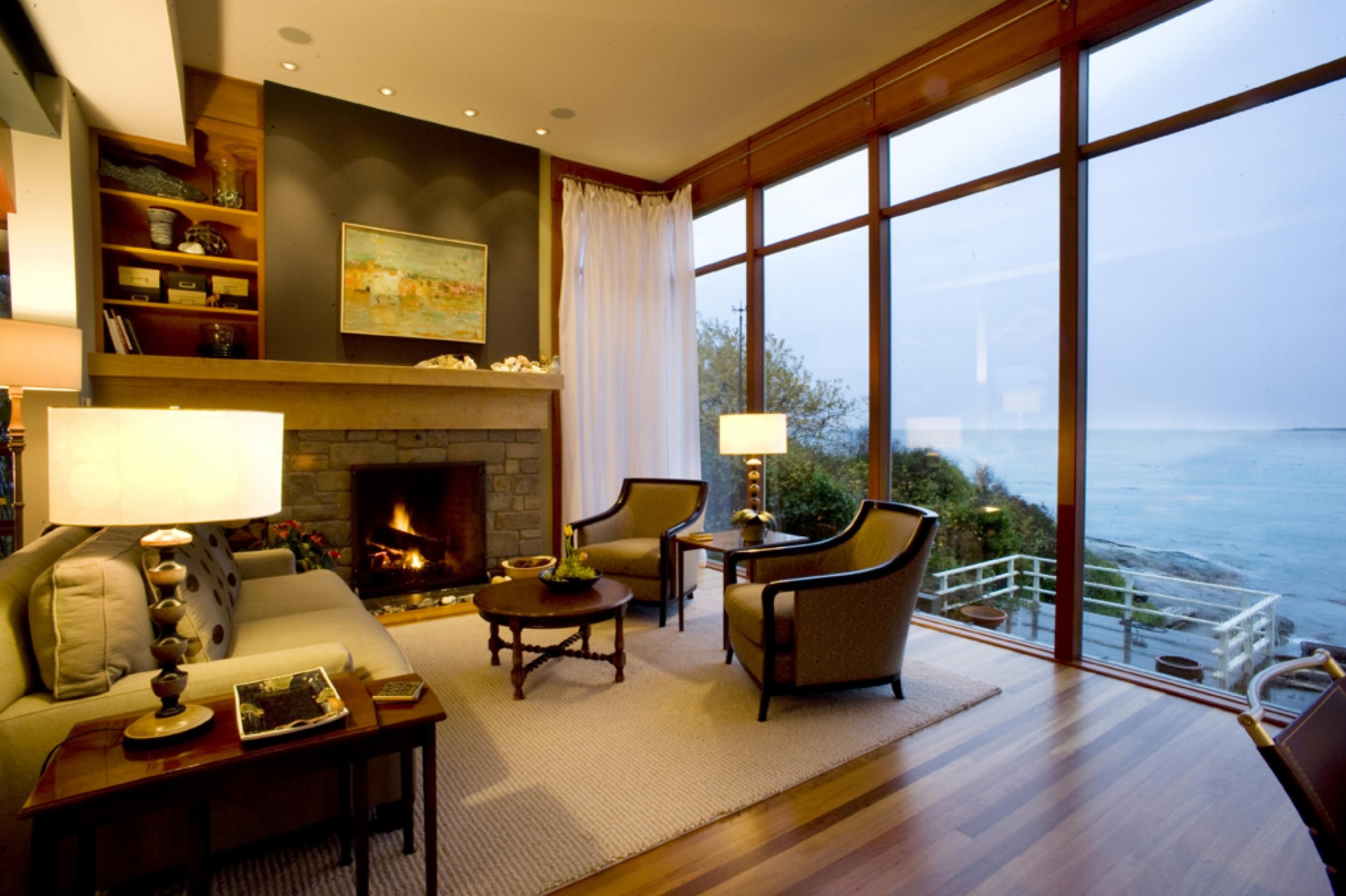 7. Living Room.jpg