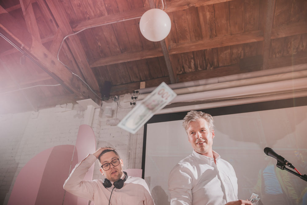 23-dance-royale-office-party-the-flashdance-dj.jpg