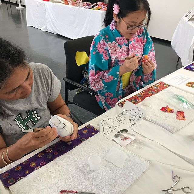 Had a wonderful time introducing the Japanese art of Kimekomi doll making at the 79th Annual Nisei Festival today! So many people tried it out for the first time and they are so talented!!!! Great Job!!!! #kanesakayukarikai #kyugetsu #kimekomi #kimekomidoll #ningyou #ningyō #niseiweek #niseiweek2019 #rat #mouse #doll #dollmaking #japanese #japan #littletokyo #littletokyola #losangeles #festival #japanesetraditional #久月 #木目込み #木目込み人形 #体験 #伝統芸能
