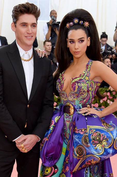 Dua Lipa wears VRAM Jewelry to Met Gala 2019 (2)