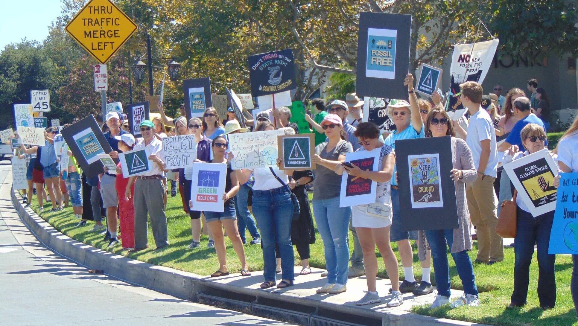 Climate+strike+group.jpg