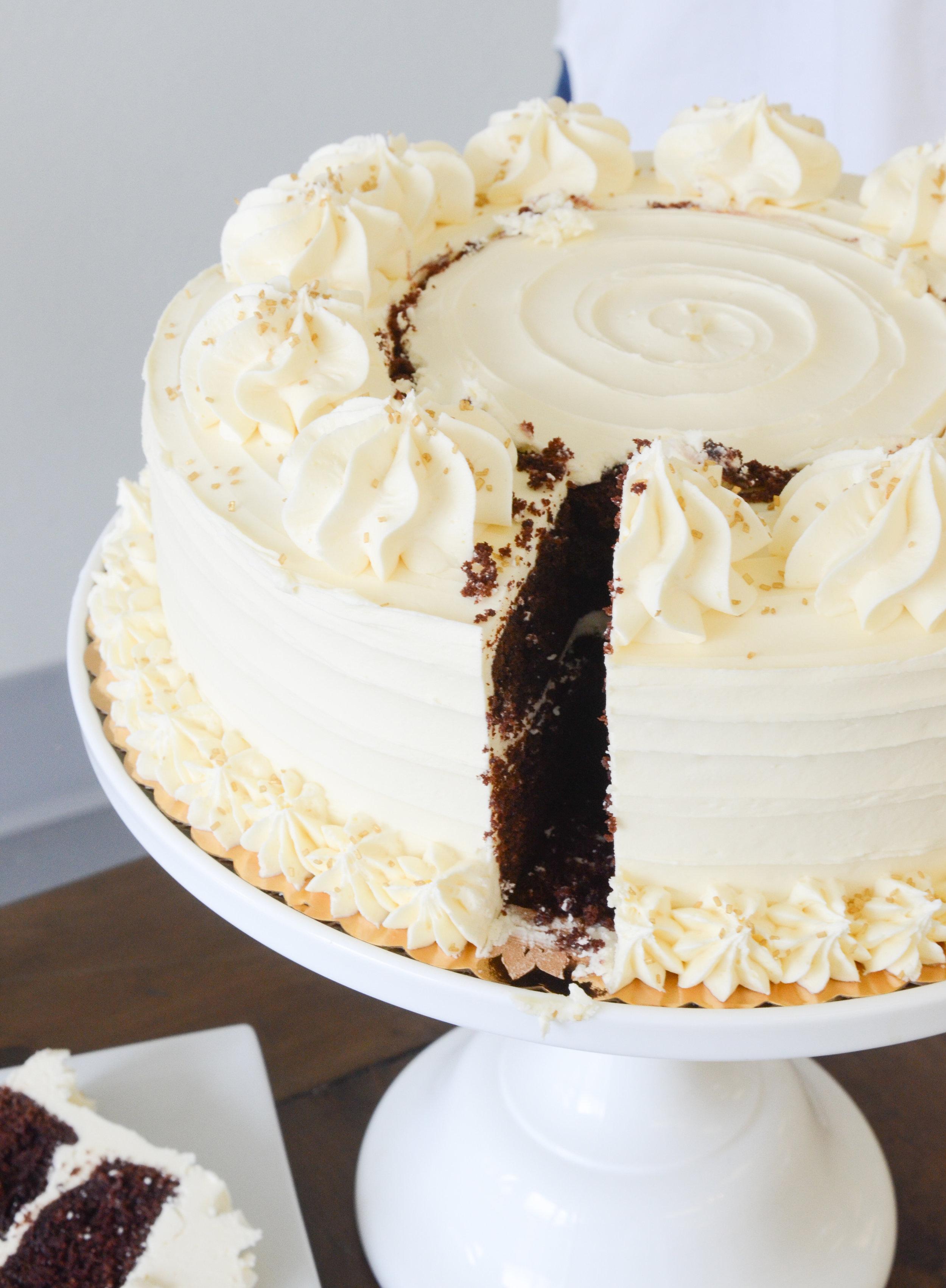 Slice cake and plate.jpg