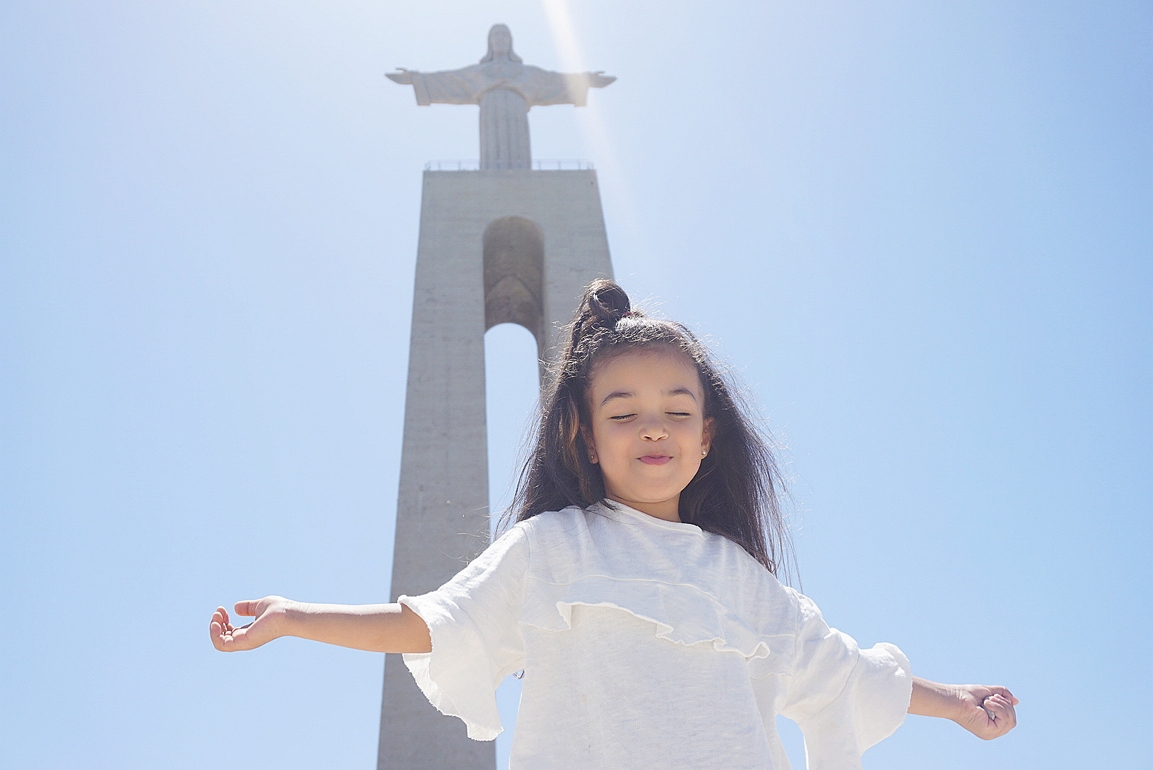It´s Gorgeous - The Cristo Rei statue in Lisbon is one of the most iconic monuments in Portugal(same monument in Rio de Janeiro).Christ the redeemer a Catholic monument is looking after the portuguese citizens.For the full panoramic views the best choice is terrace bars and downtown street views with the popular portuguese tile walls that will make your instagram feed pop ;) as well as the colourful buildings. The Golden Gate bridge and the river Tagus are the main views from the city, no matter where you are they are there to be seen.This views are unreal