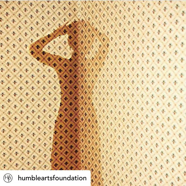 I want to thank @humbleartsfoundation for featuring my photo on their amazing feed! Also it was so nice to meet @jonfeinstein, the man behind the blog, at Photolucida last week. 😍  Posted @withrepost • @humbleartsfoundation How does this image by @tirakhan make you feel? (It was a highlight from last weekend's @photolucida portfolio reviews.)