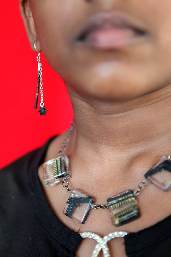 Weapon Necklace // © Iseult Timmermans