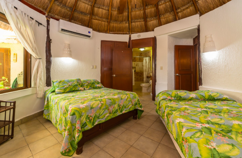 Option 2 + 3: Shared bedroom with 2 double sized beds