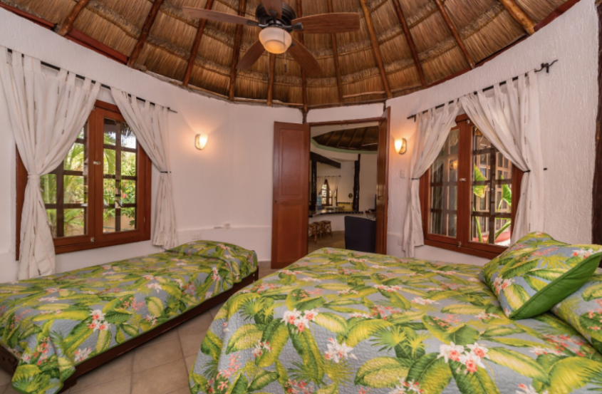 Option 4 + 5: Shared bedroom, with 1 double bed and 1 twin bed