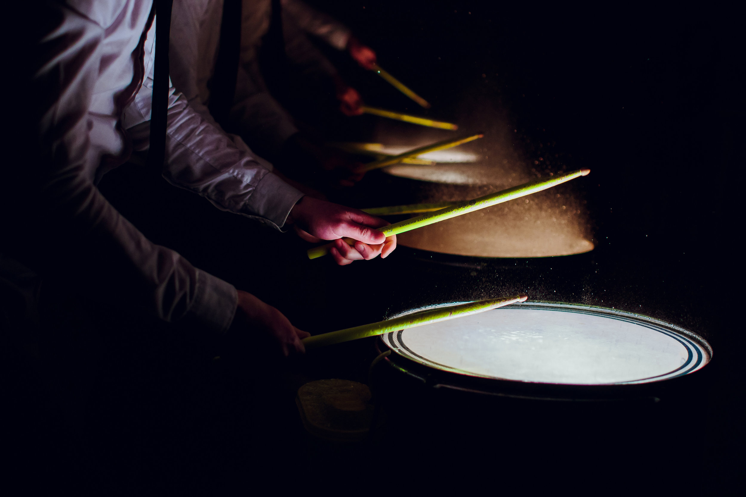 CARDIO DRUMMING - Use the power of music and rythm to release tension and sweat.