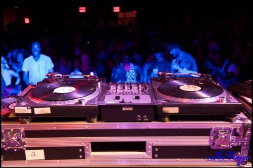 Salute The DJ