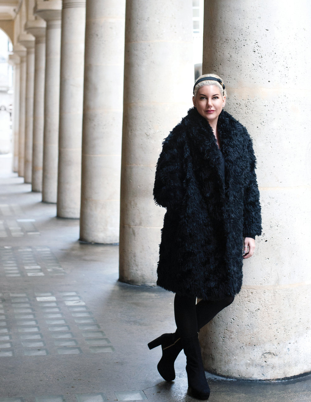 bb4f7-janette-ewen-fashion-black-coat.jpg