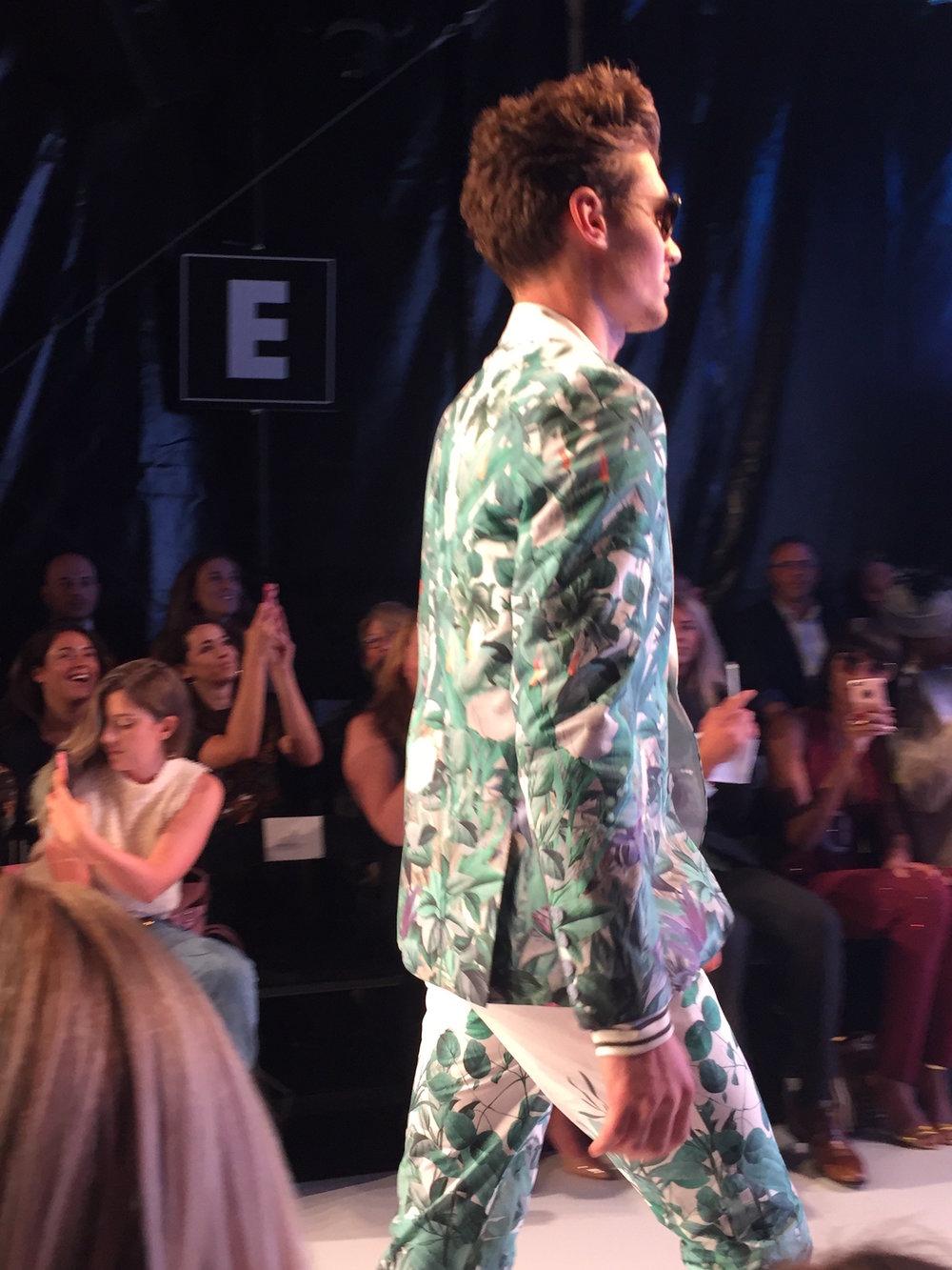 bustle-clothing-toronto-fashion-week-ss18-runway-collection-2.jpg
