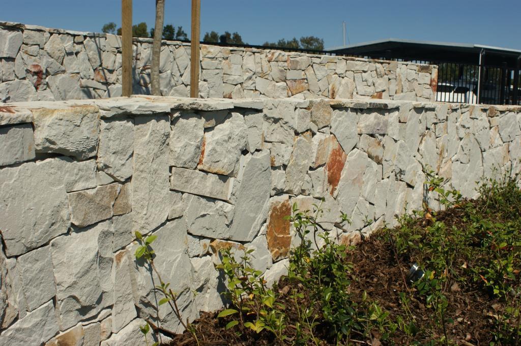 Siltstone Walling 2.JPG