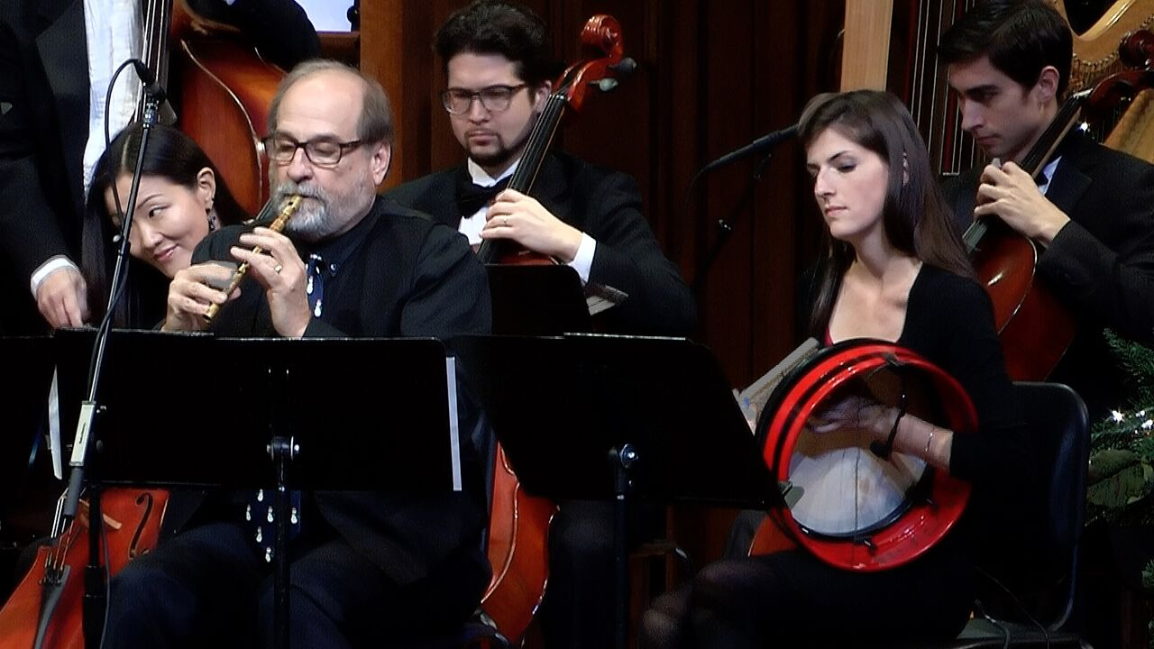 L to R: Kevin Alewine (flute/whistles), Cara Wildman (bodhran)
