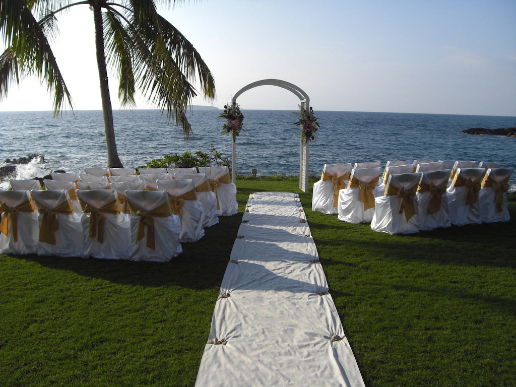 island-rents-equipment-rentals-decor-for-weddings-in-maui-hawaii 2.jpg